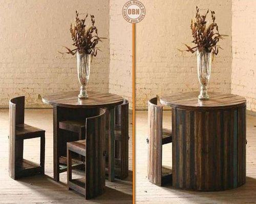 uspora-prostoru-stolek-zidle.jpg