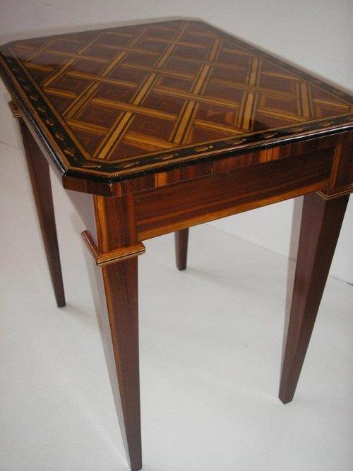 Jak-restaurovat-stary-nabytek3-karetni-stolek-27.jpg